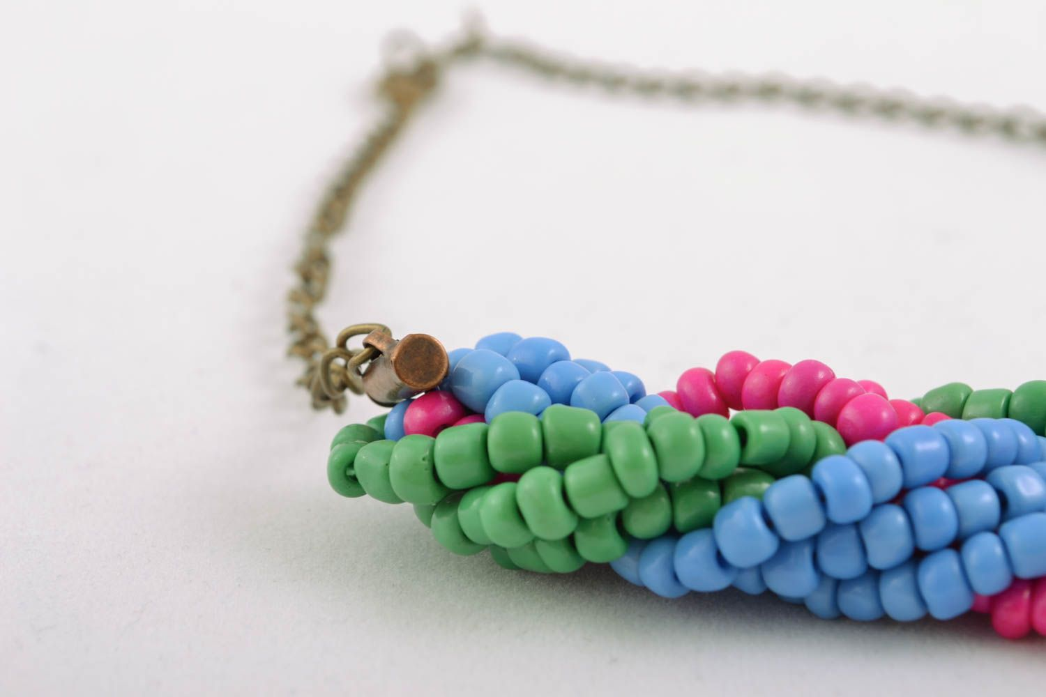 Beaded necklace with chain photo 2