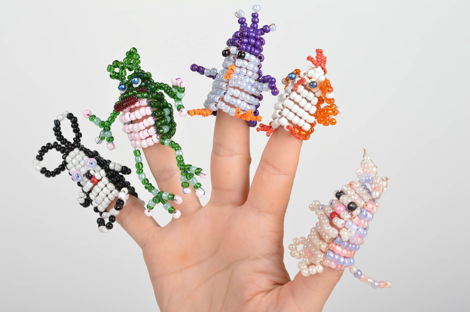 educational toys Set of 5 handmade bead woven animal finger puppets colorful for home theater - MADEheart.com