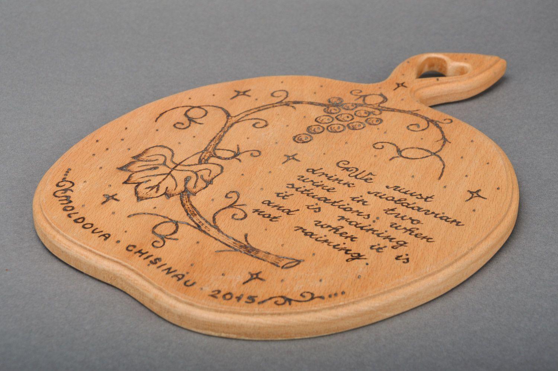Madeheart tabla de cortar con pirograbado decoraci n for Utensilios de cocina artesanales