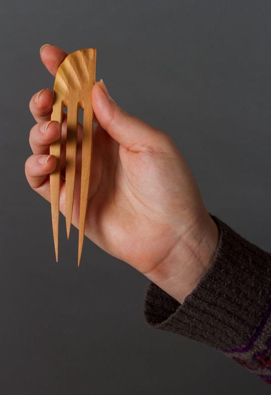 Wooden comb barrette photo 3