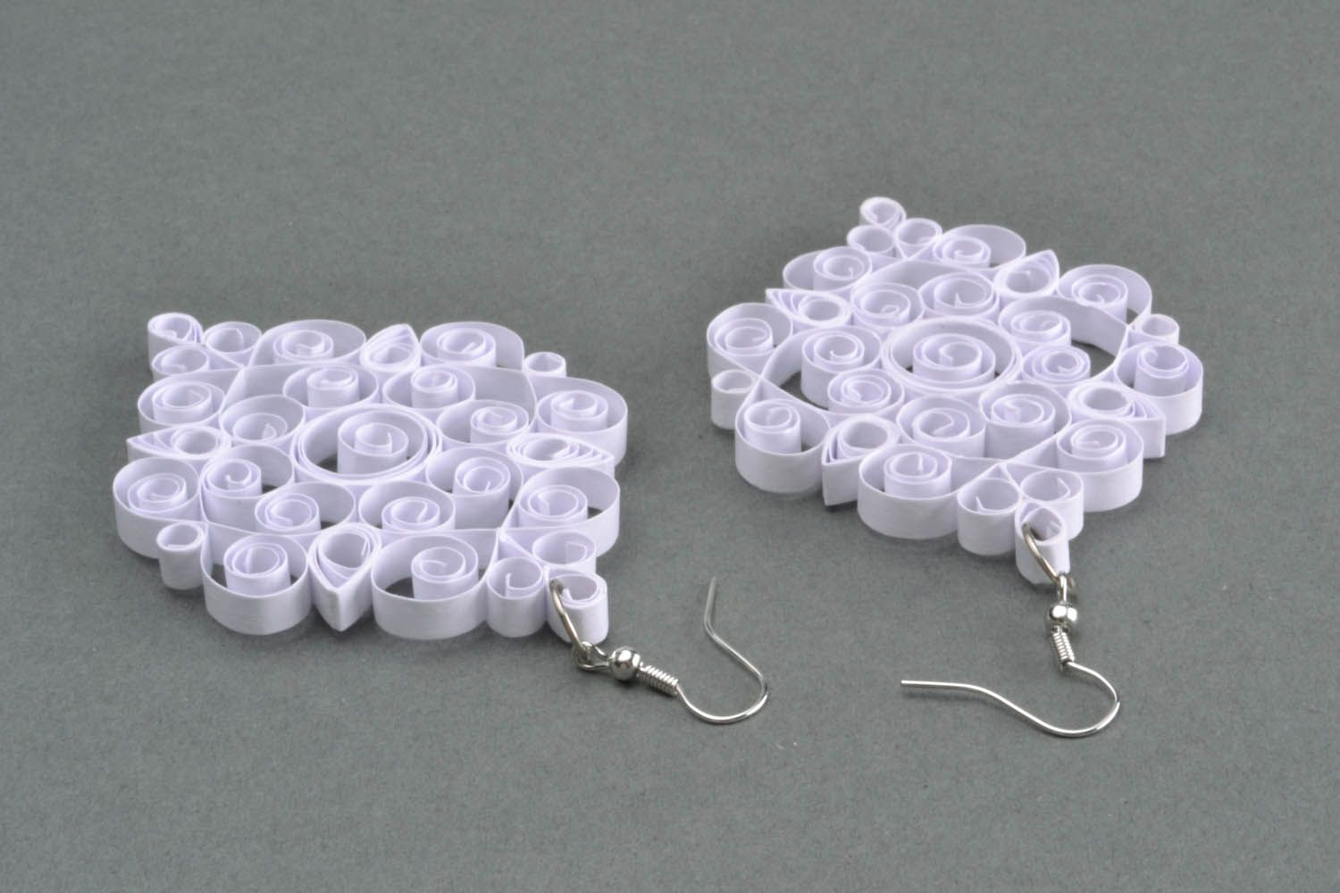 White laced earrings made of paper photo 3