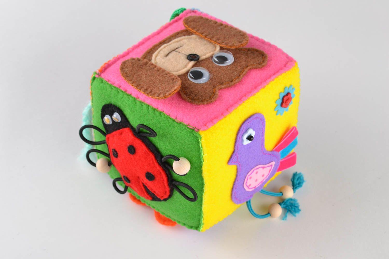 Развивающий кубик из фетра идеи