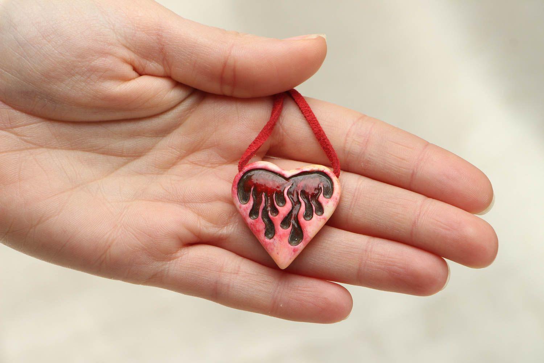Unusual heart shaped bone pendant photo 4