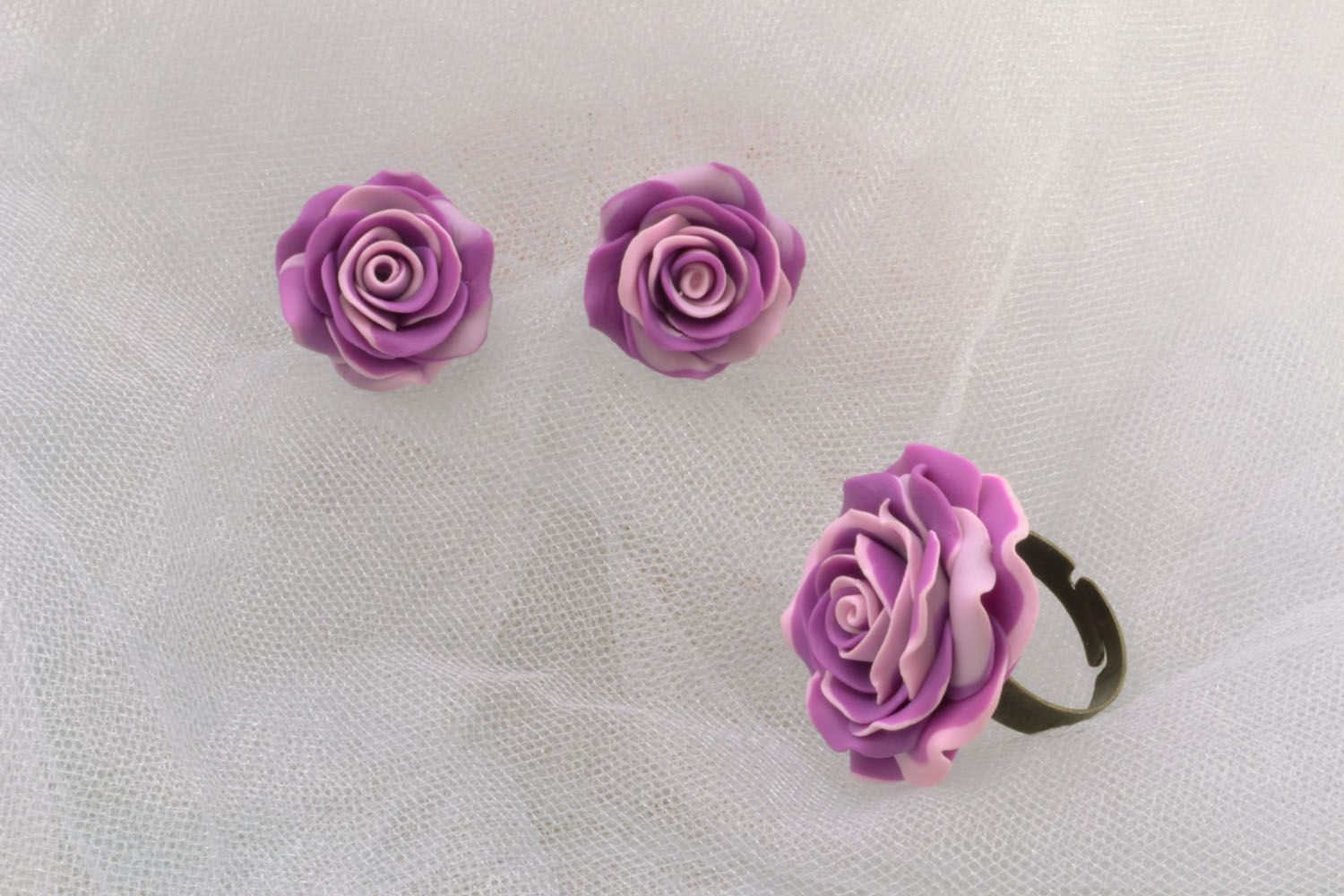 Design ring and earrings photo 1