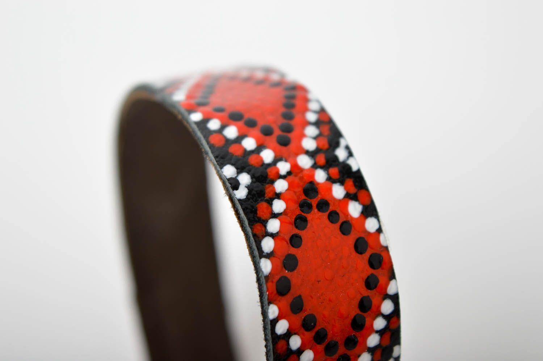 Аксессуар из кожи ручная работа кожаный браслет с орнаментом браслет на руку фото 4