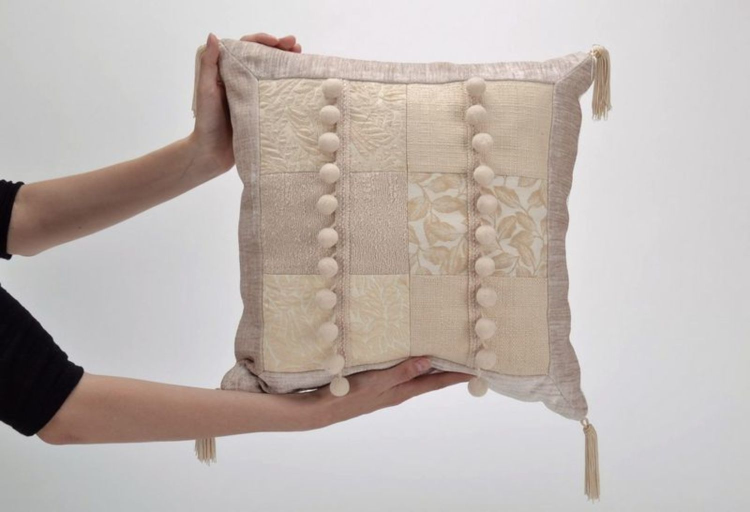 Pillow made from cotton and synthetic down, with tassels photo 5