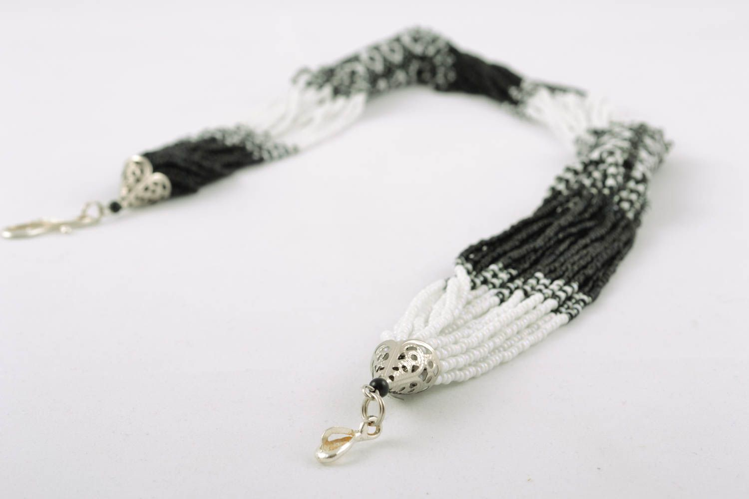 Black-and-white multi-row beaded necklace photo 3