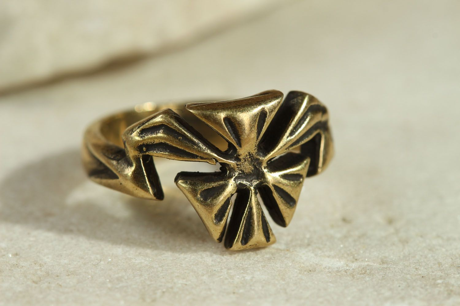 Bronze ring Flower photo 1