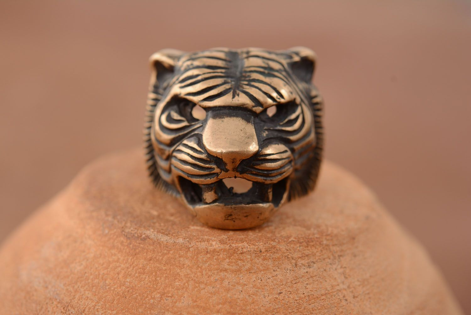 Bronze ring Head of a Tiger photo 3
