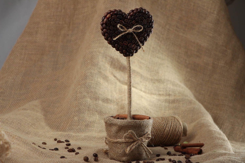 Heart-shaped coffee topiary photo 5