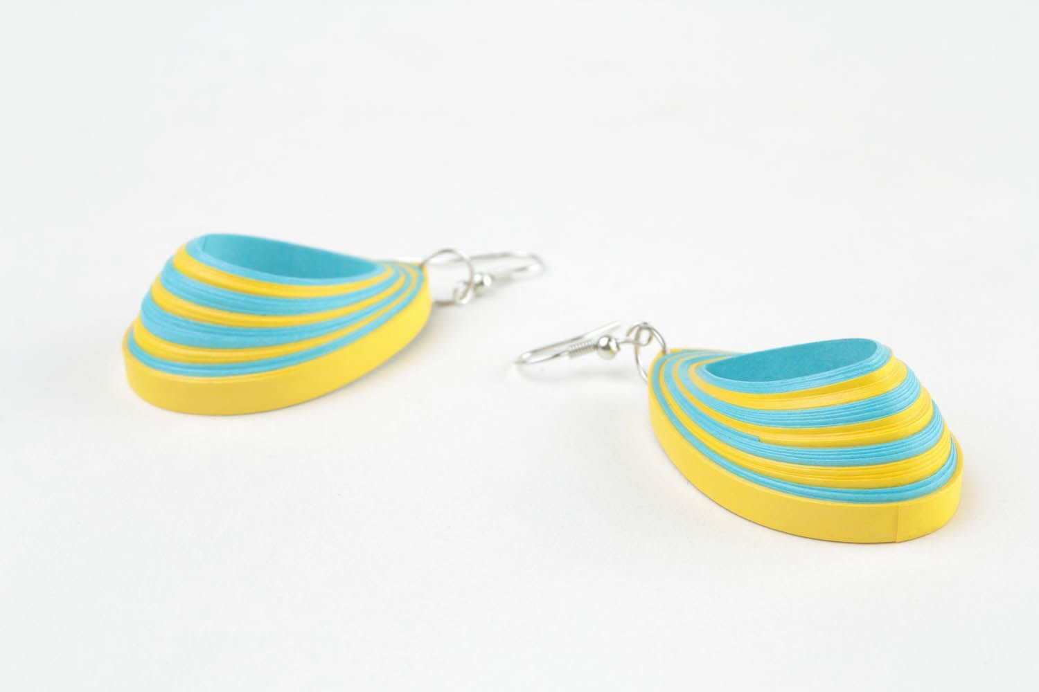 Two-tone paper earrings photo 5