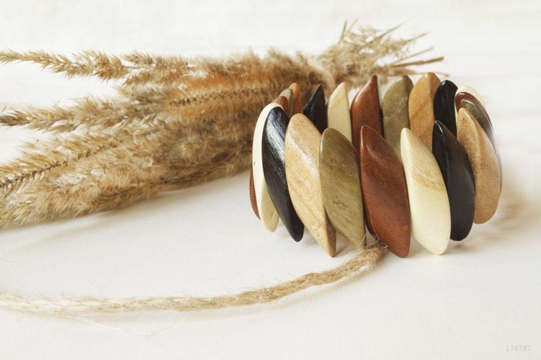Wooden wrist bracelet photo 2