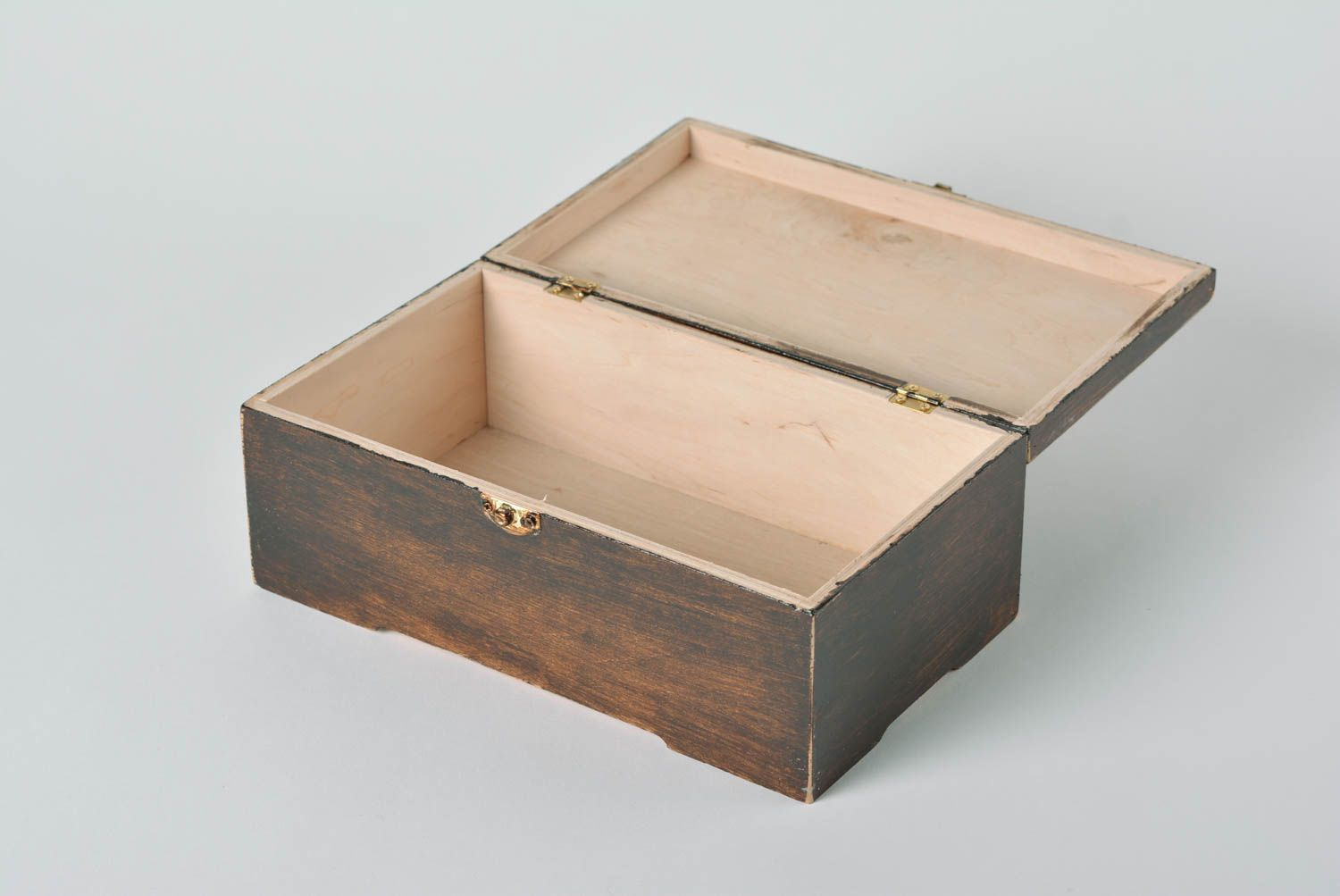 MADEHEART Beautiful handmade plywood jewelry box with drawing