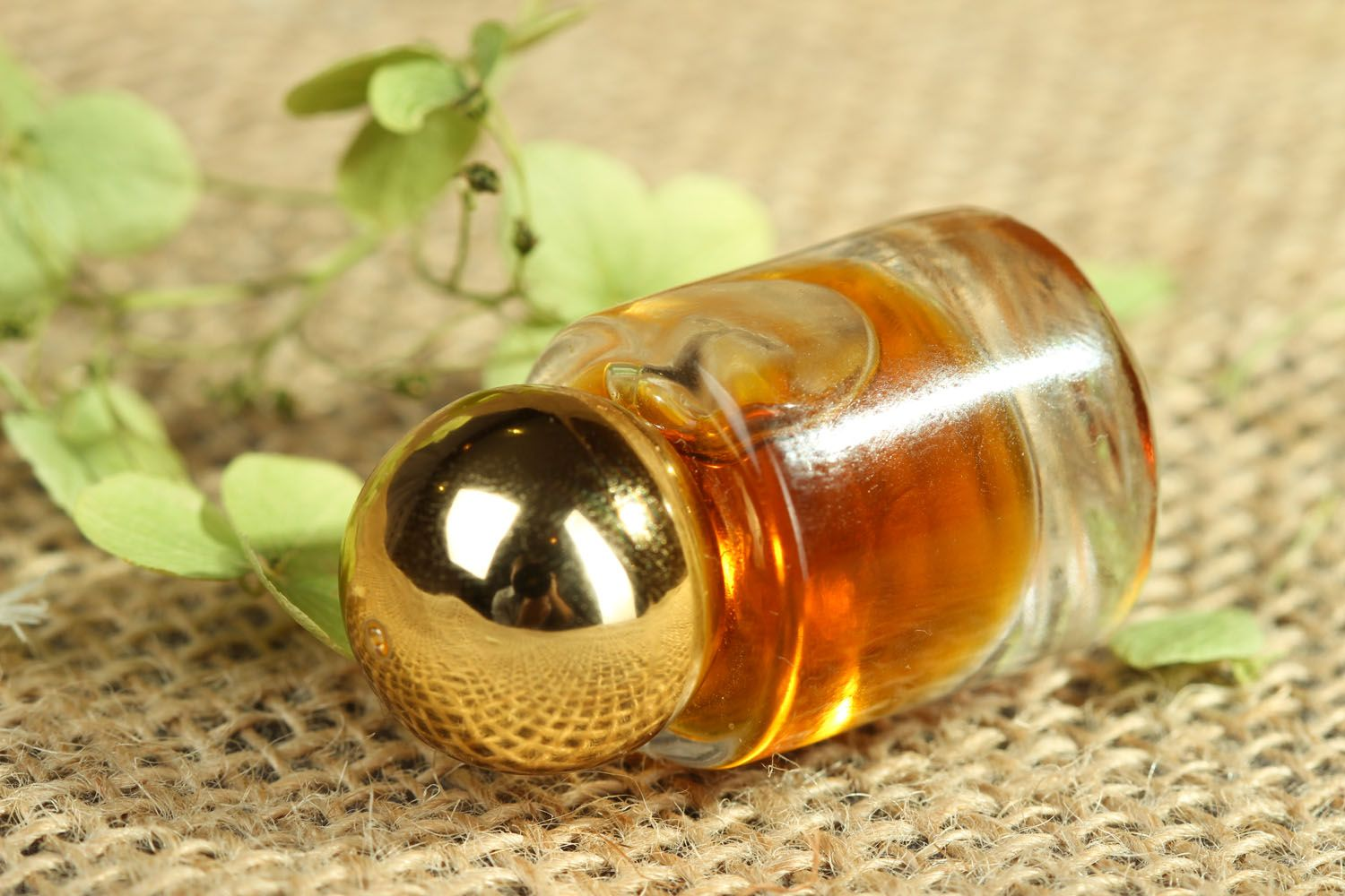 Perfume oil with amber aroma photo 2