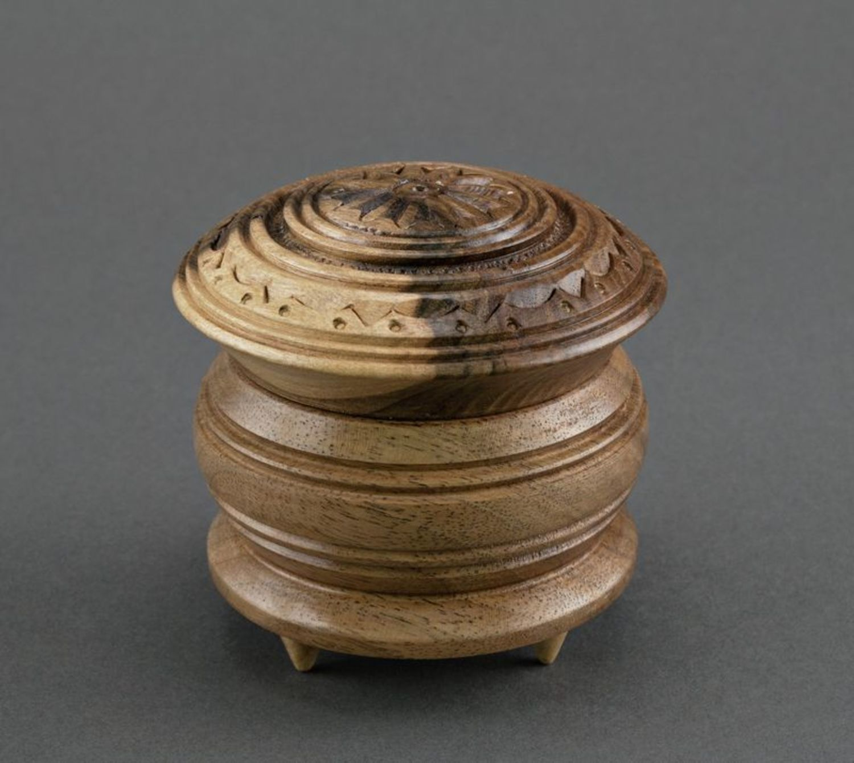 Caja de madera pequeña  foto 3