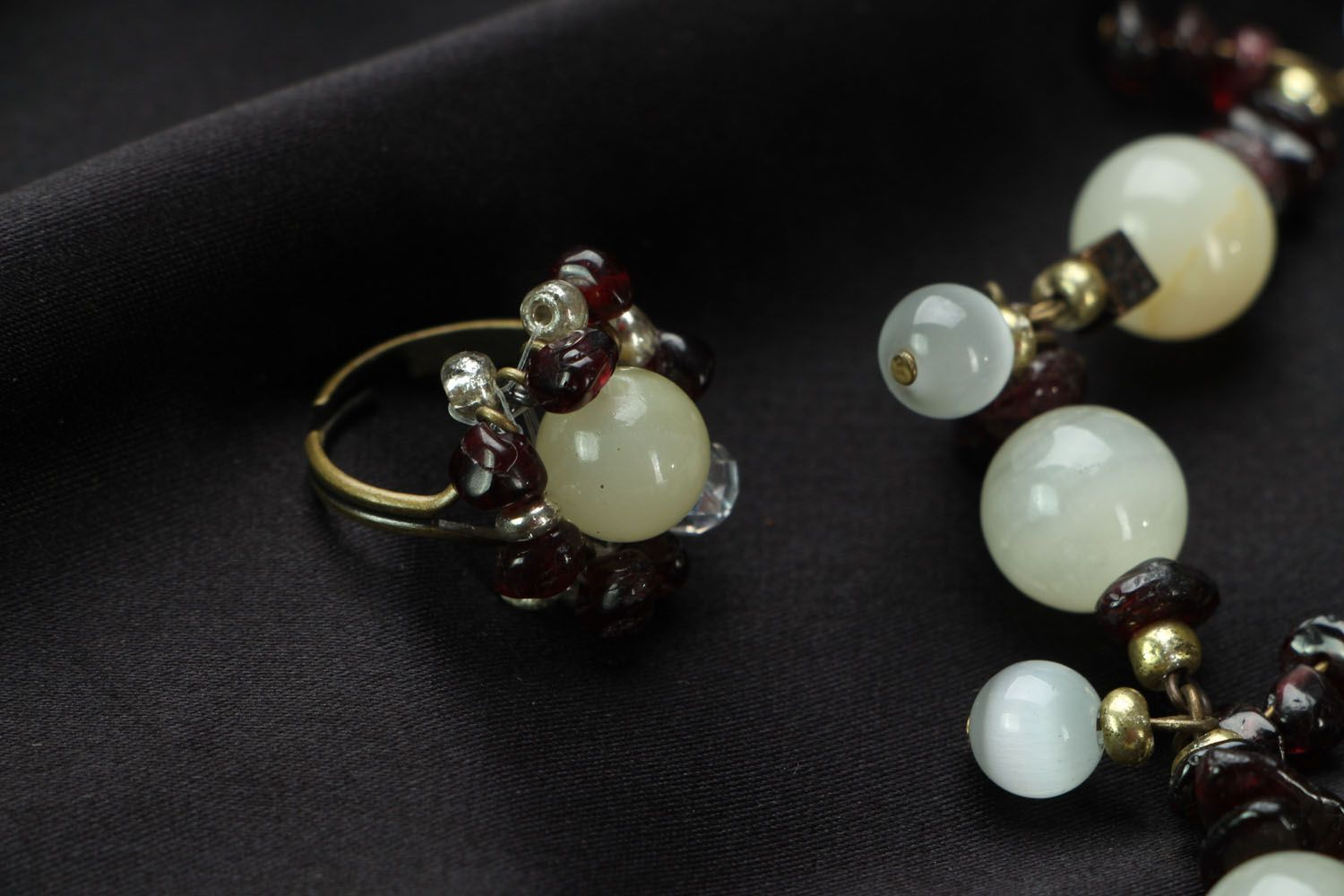 Jewelry set with onyx and garnet  photo 3