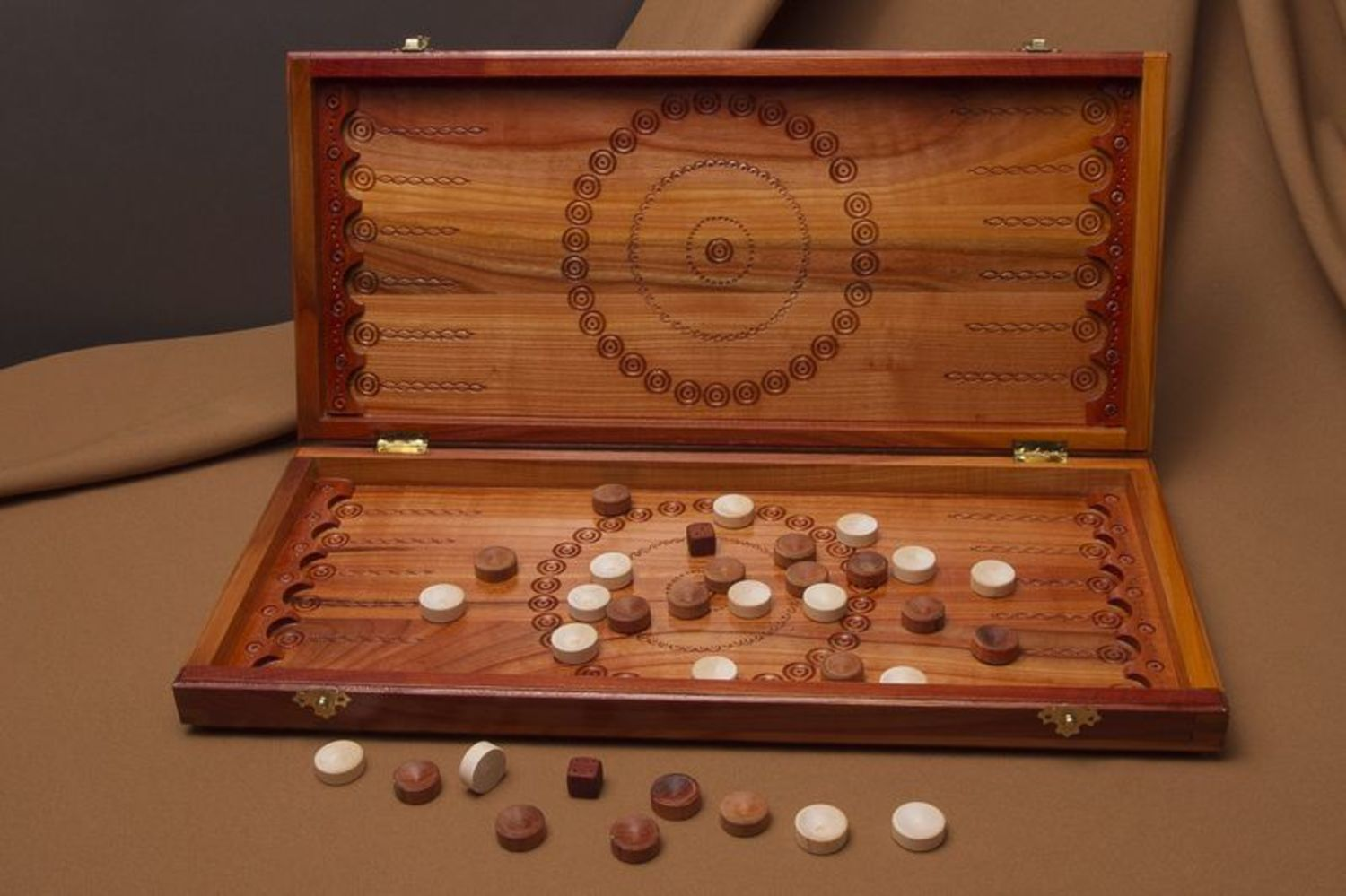 Wooden set for playing backgammon photo 1