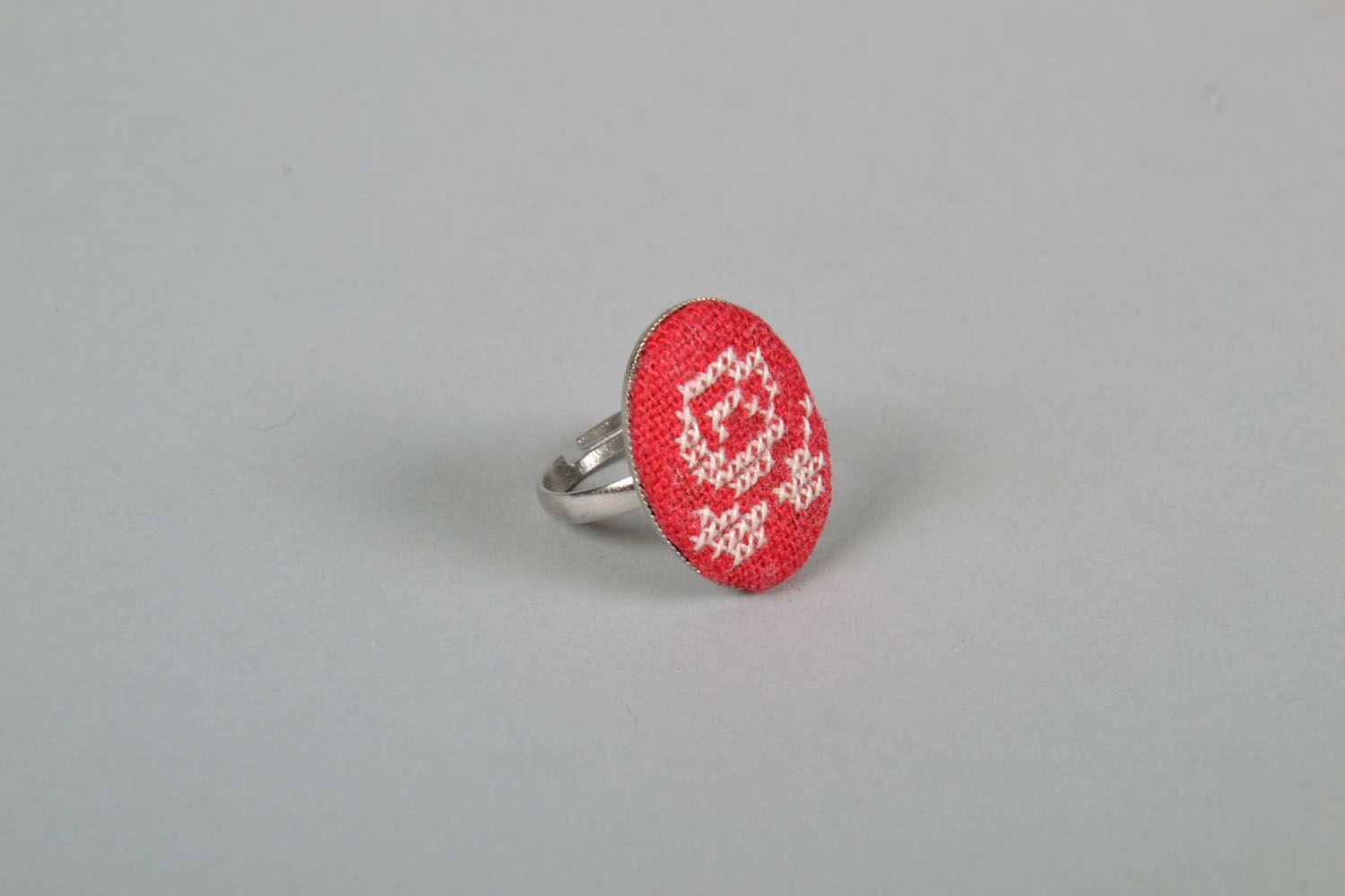Beautiful seal ring with embroidered flower photo 3
