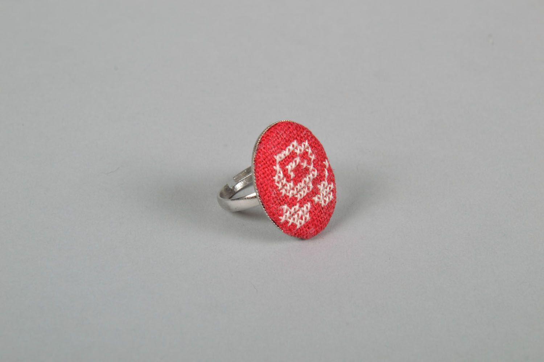 Gestickter Ring mit Blume foto 3