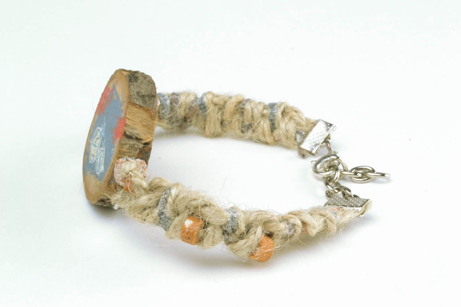 Bracelet made of threads photo 6