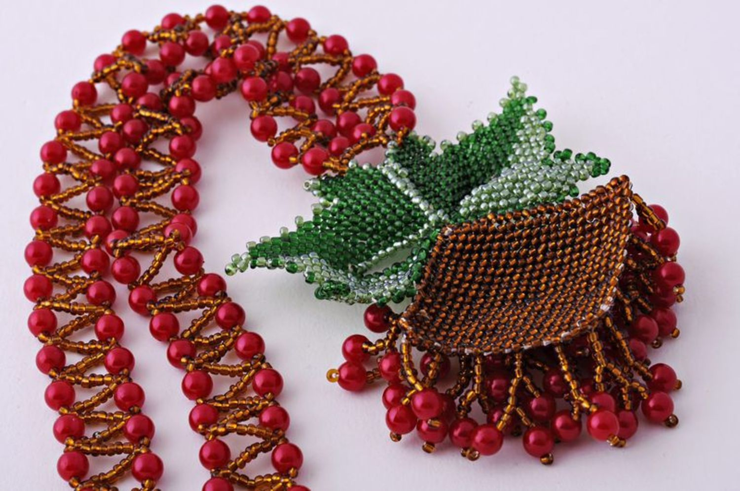 Beaded Necklace Guelder-Rose photo 4
