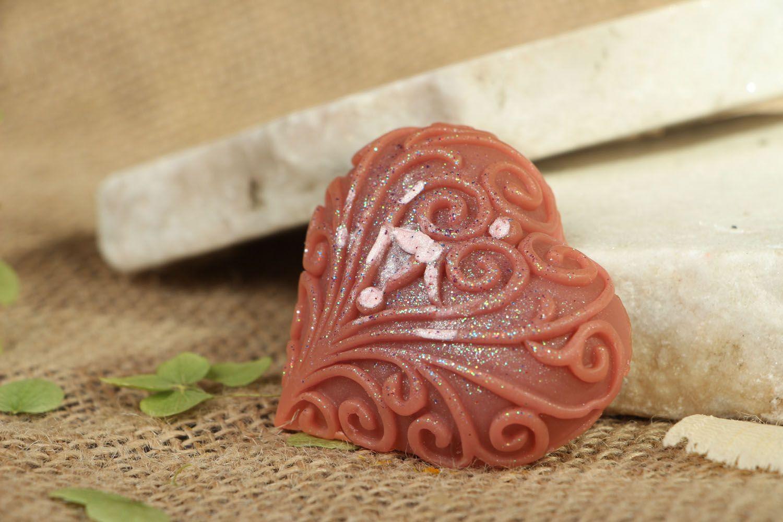 Natural heart-shaped soap photo 4