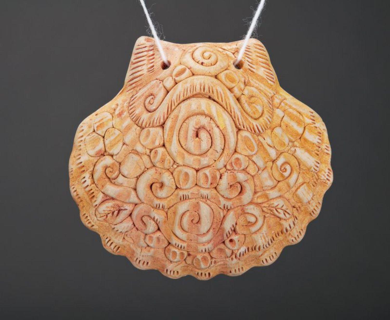 Ceramic pendant Shell photo 1