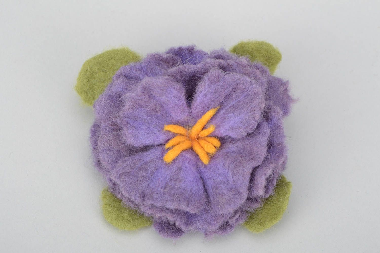Brooch made using the felting wool technique photo 4
