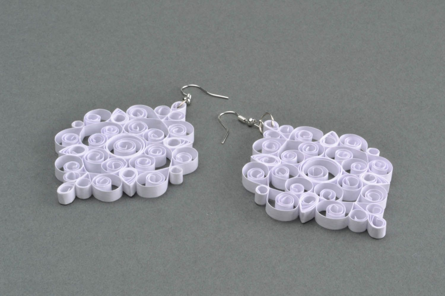White laced earrings made of paper photo 5