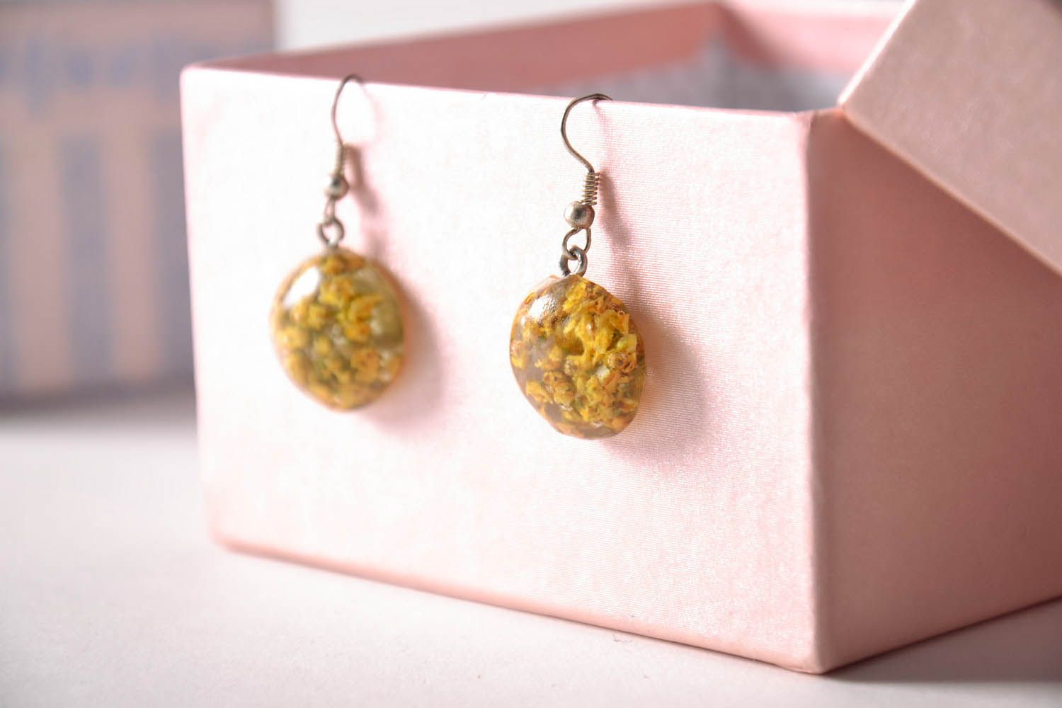 Earrings with dried flowers in epoxy resin photo 2