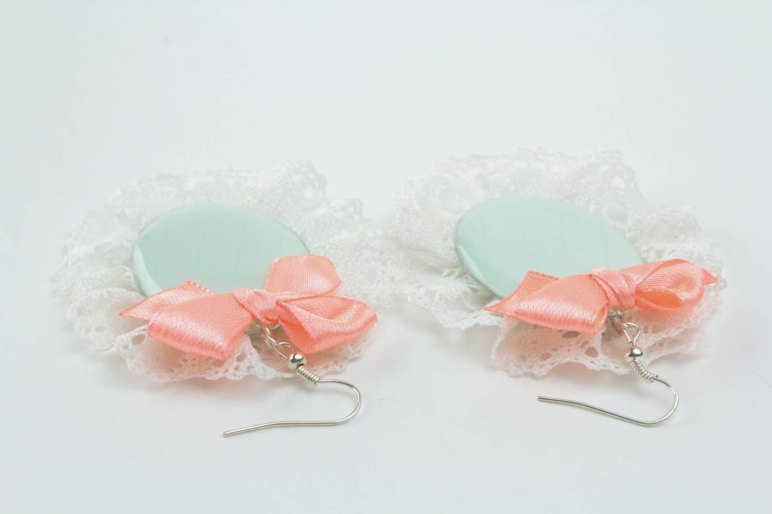 Earrings with lace and bows photo 2