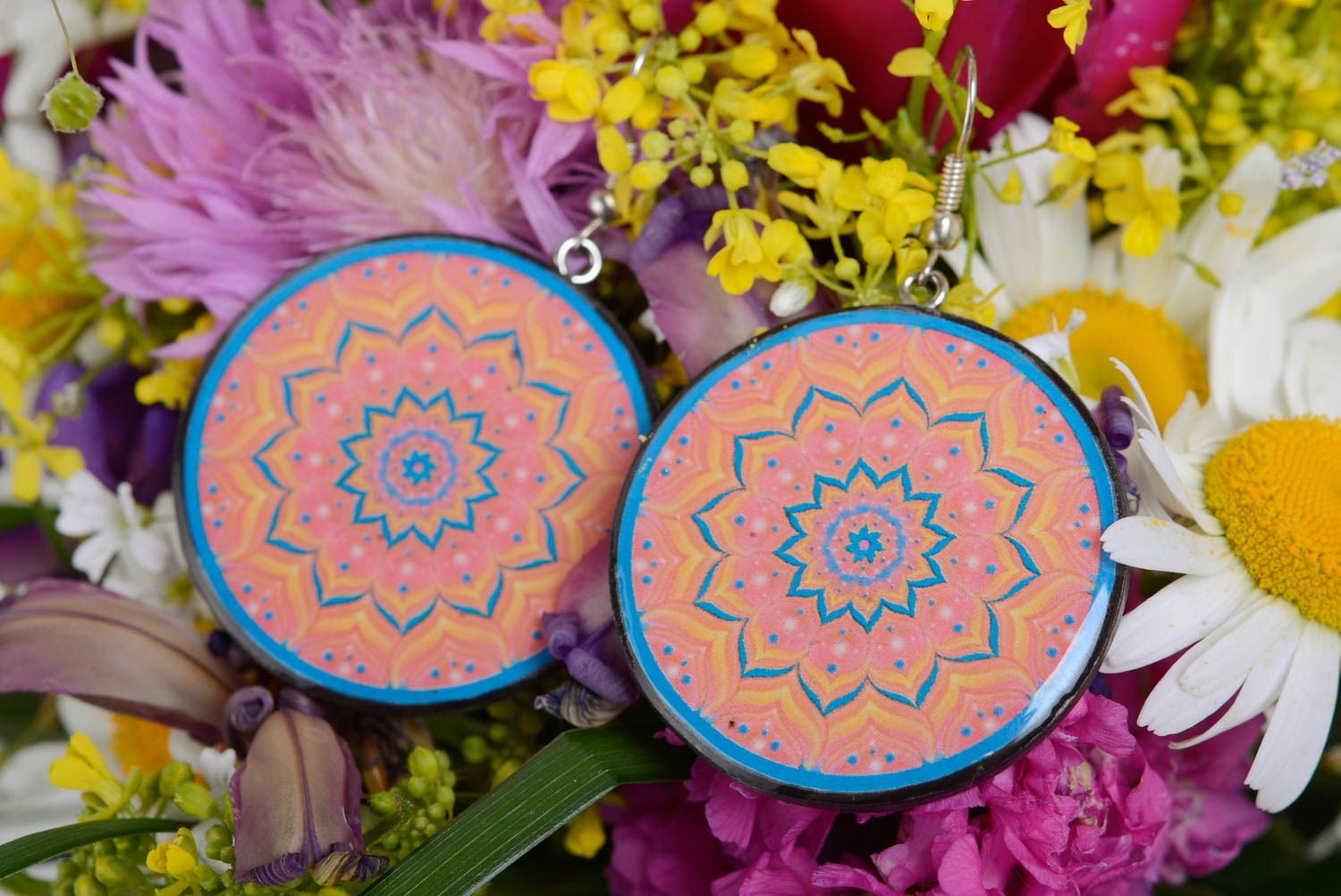 Patterned handmade designer plastic round earrings with decoupage photo 2