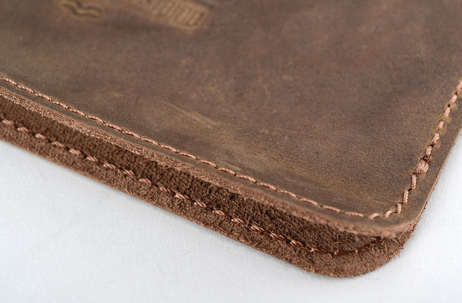 Cases for smartphones and tablets Sleeve for iPhone 4S/5S made of natural leather - MADEheart.com