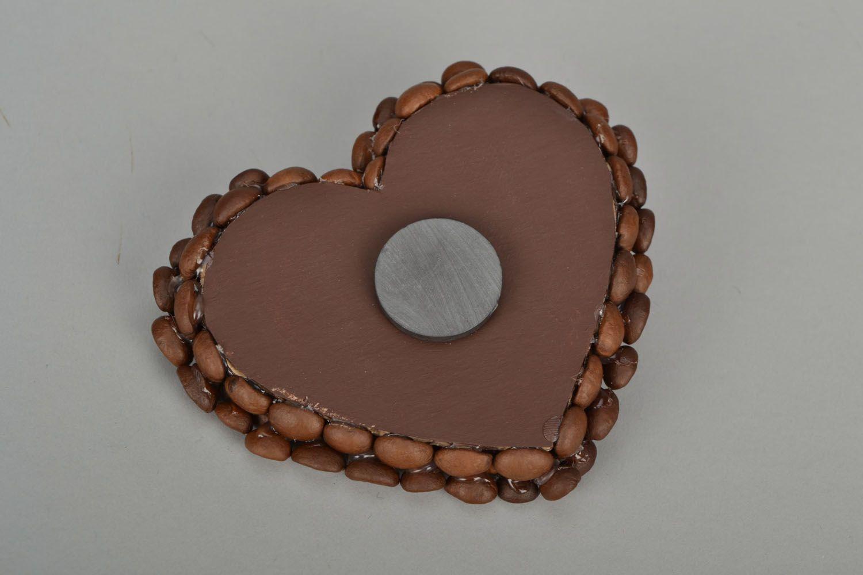 Fridge magnet made of coffee beans photo 5