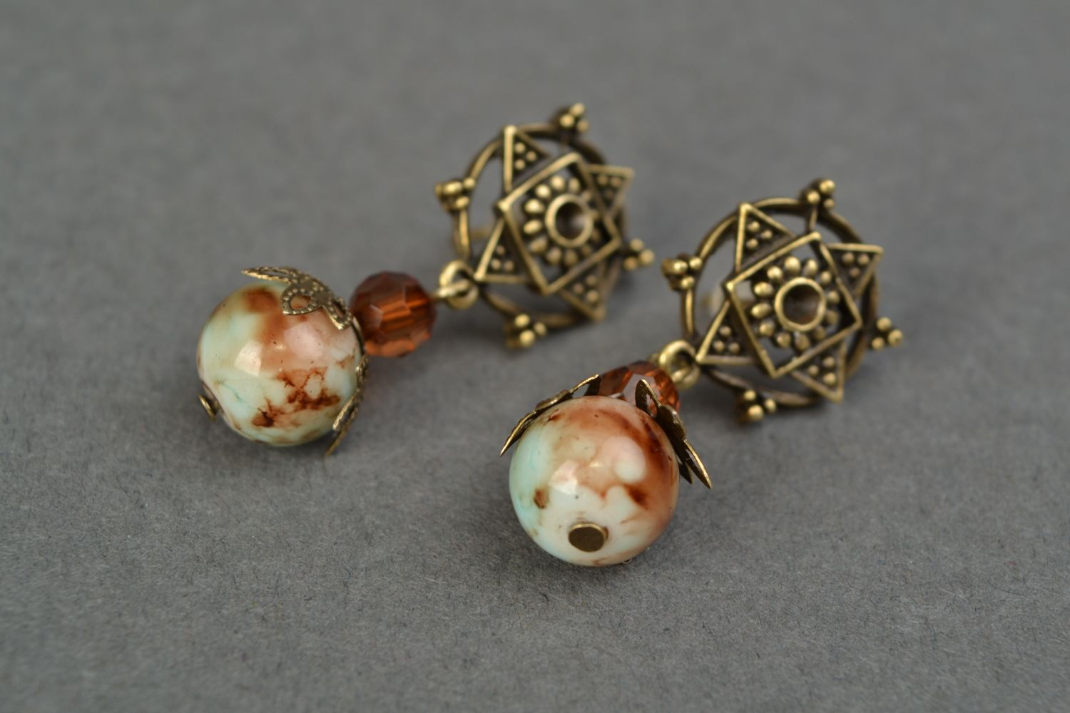 Beautiful unusual vintage earrings photo 4