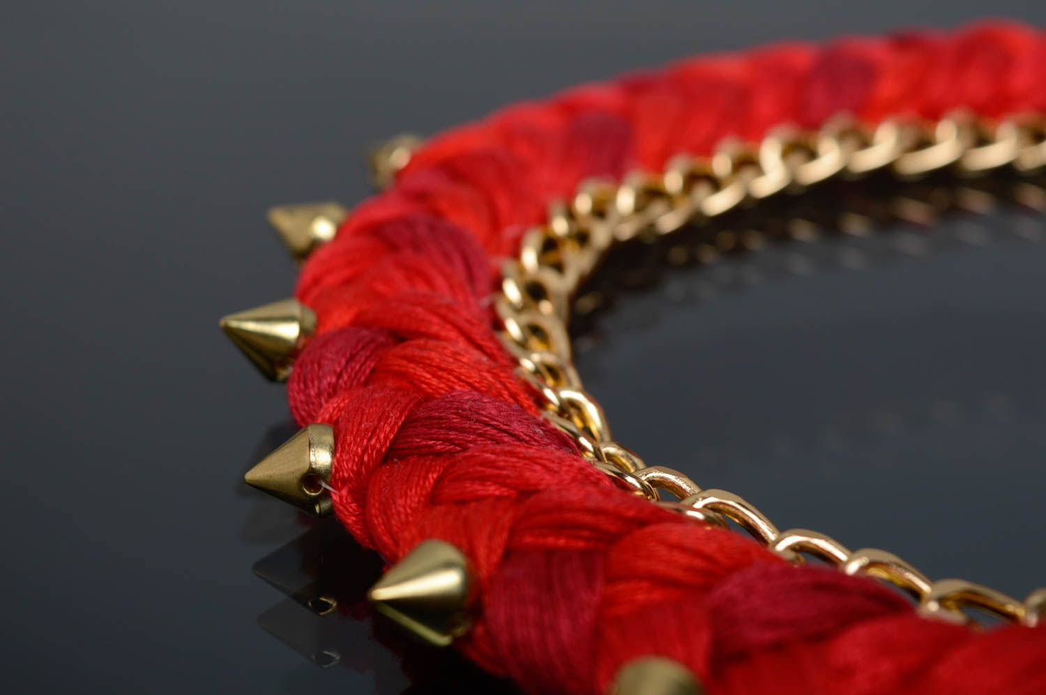 Red thread necklace with studs photo 4
