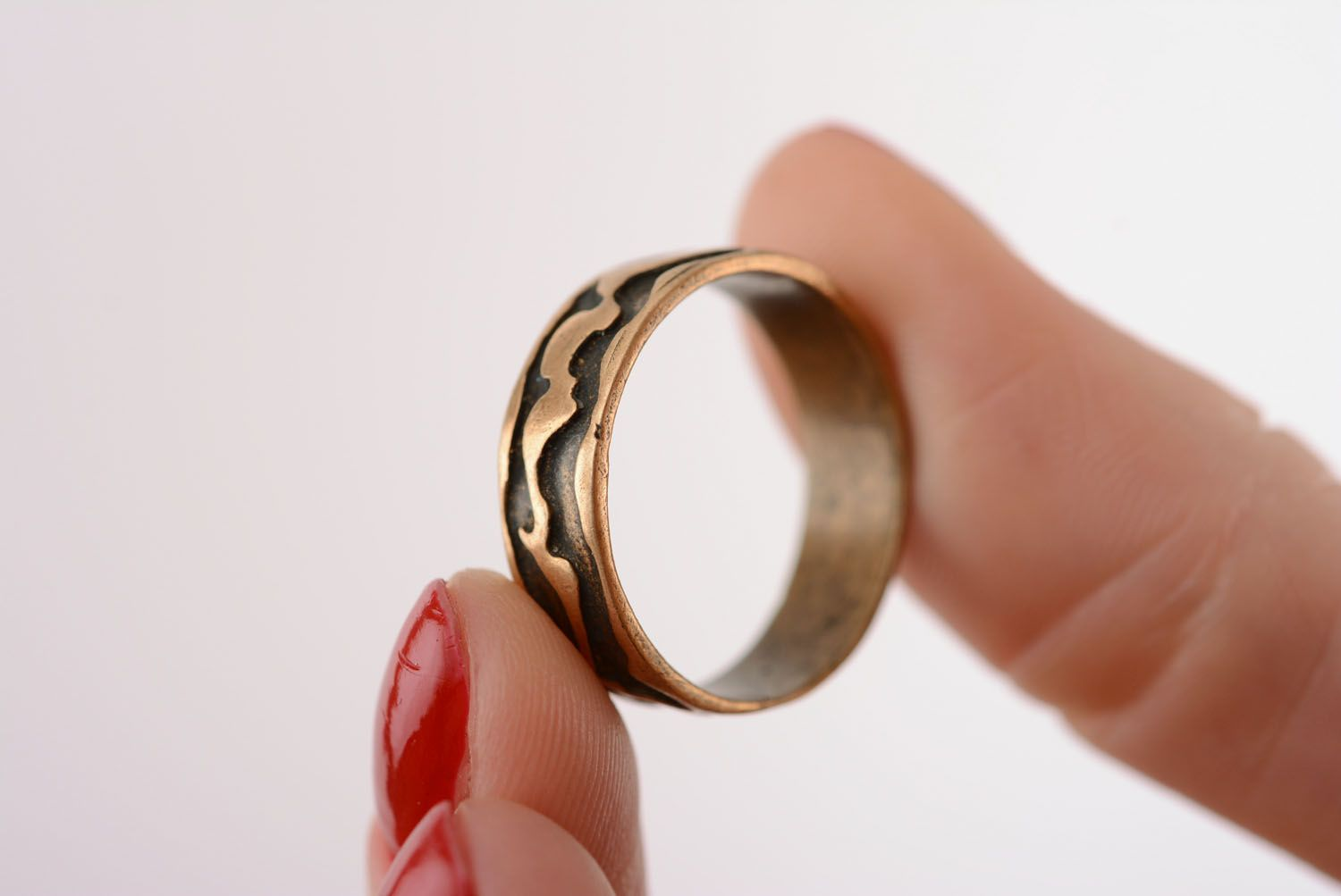 Plain bronze ring photo 4