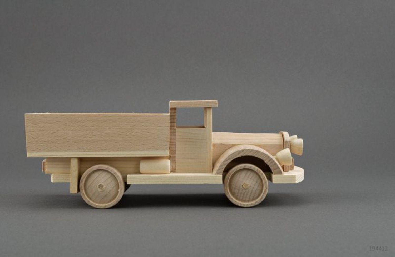 Как сделать машину из дерева своими руками для детей