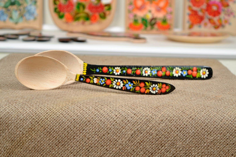 Madeheart cucharas de madera decoradas artesanales for Articulos cocina originales