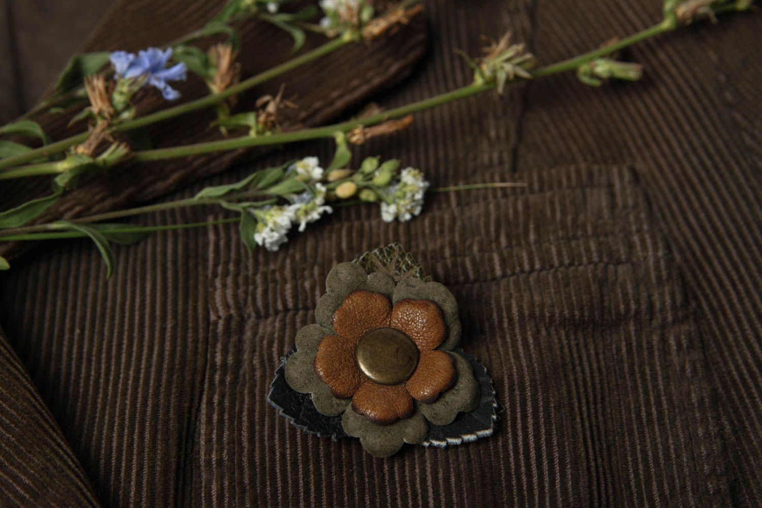 flower brooches Handmade jewelry leather brooch flower accessories handmade leather goods - MADEheart.com