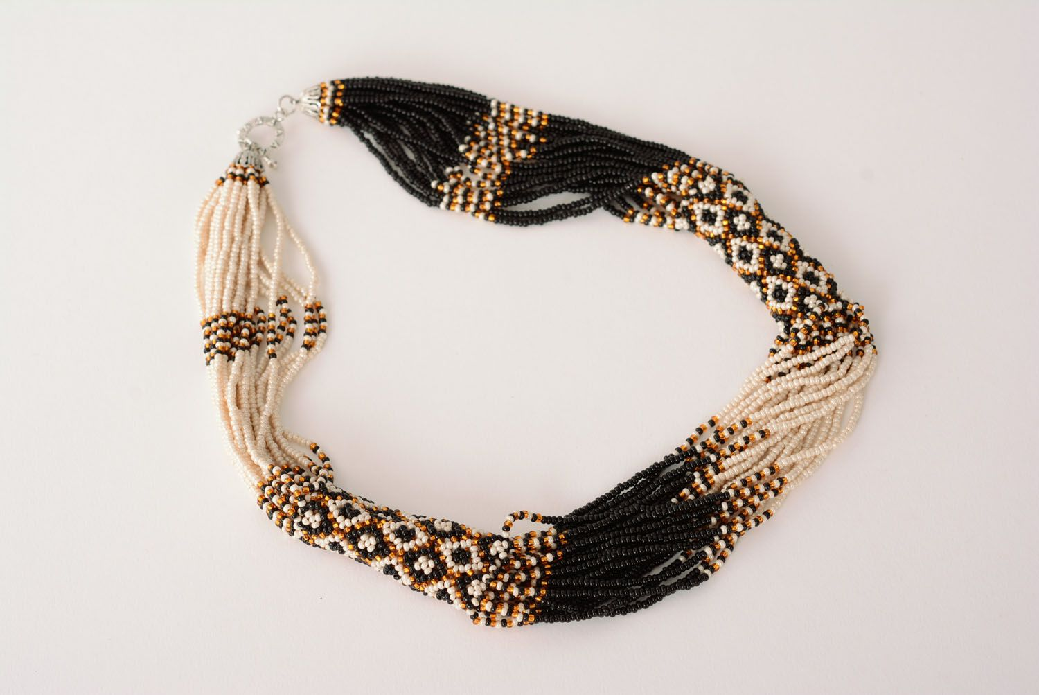 Beaded necklace with ethnic pattern photo 3