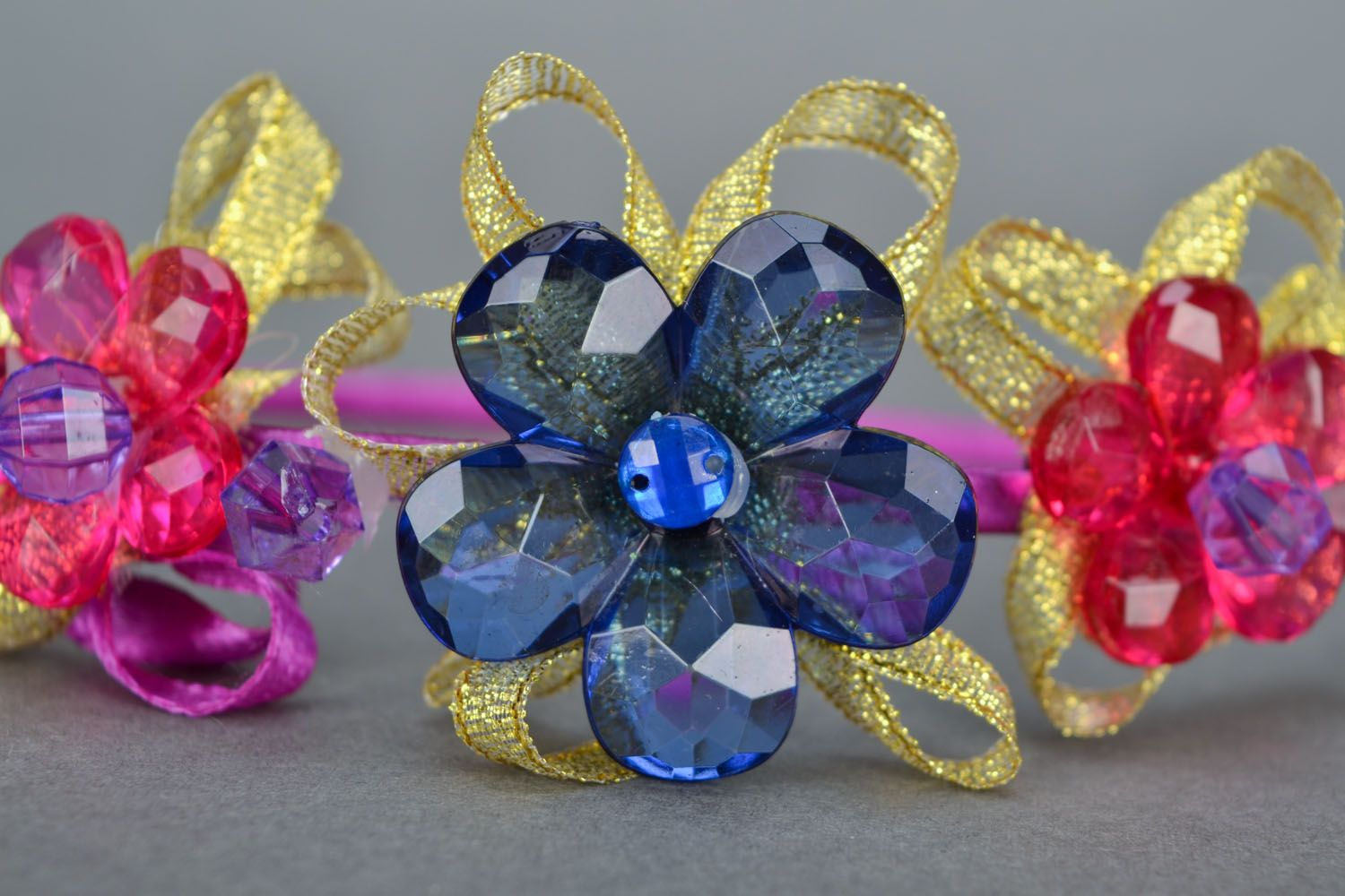 Hair band with flowers  photo 4