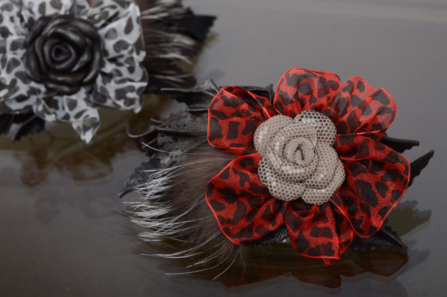 Leather hair clip with fur photo 5