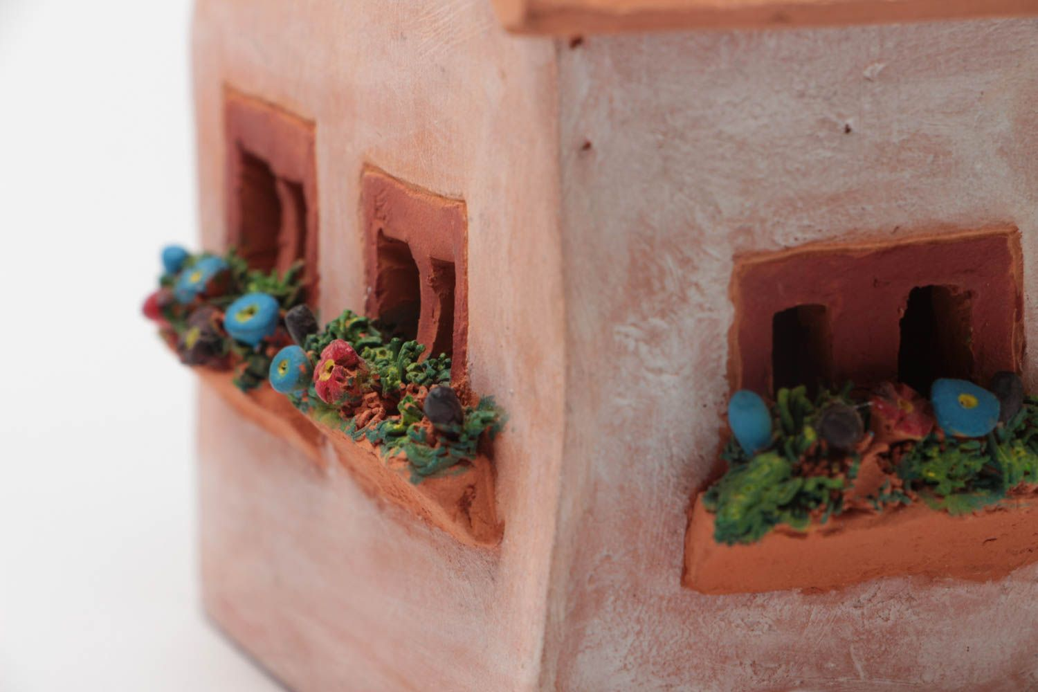 Clay oil burner in the form of small house with a beautiful painting hand made  photo 3