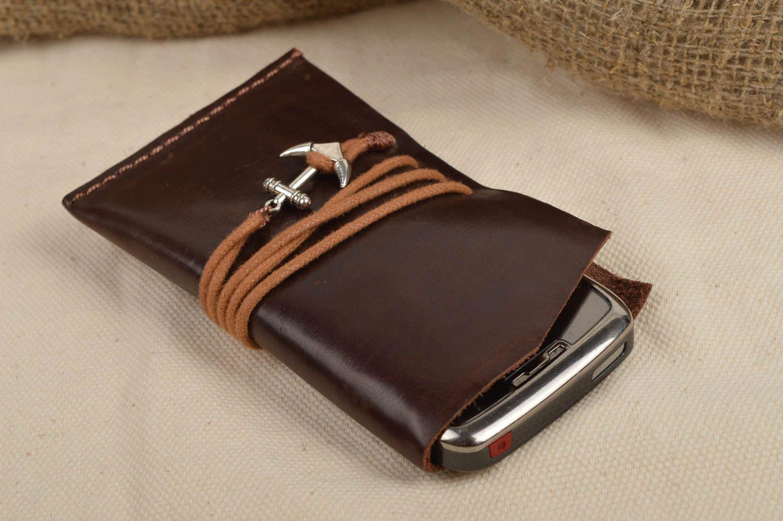 ba442cda831 Fundas para tablets y smartphones Funda para móvil artesanal de cuero  regalo personalizado accesorio para celular