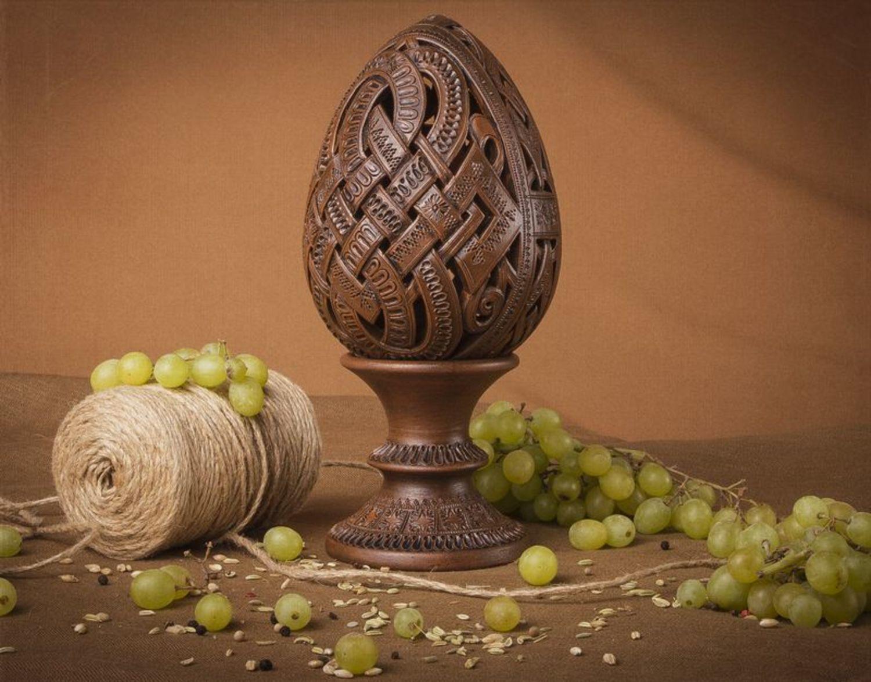ceramic easter eggs Interior ceramic egg on the stand - MADEheart.com