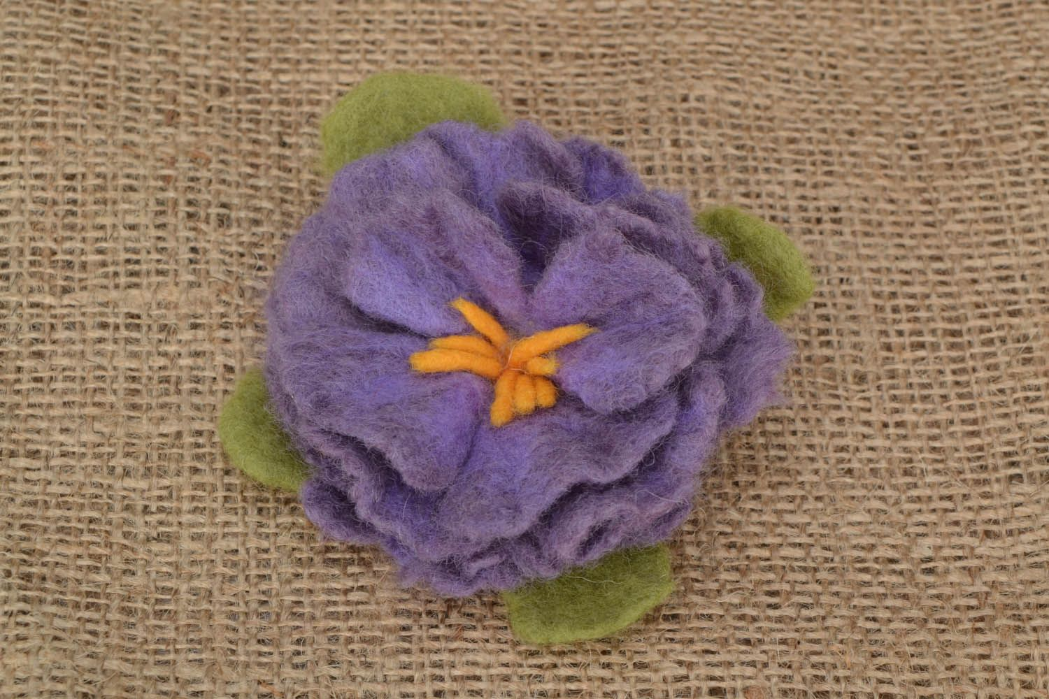 Brooch made using the felting wool technique photo 1