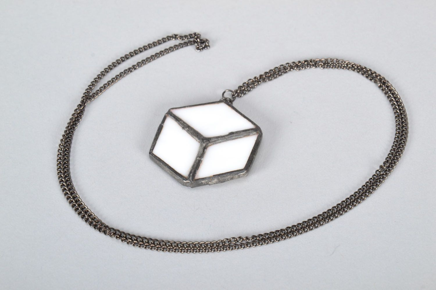 Glass pendant in the form of cube photo 5