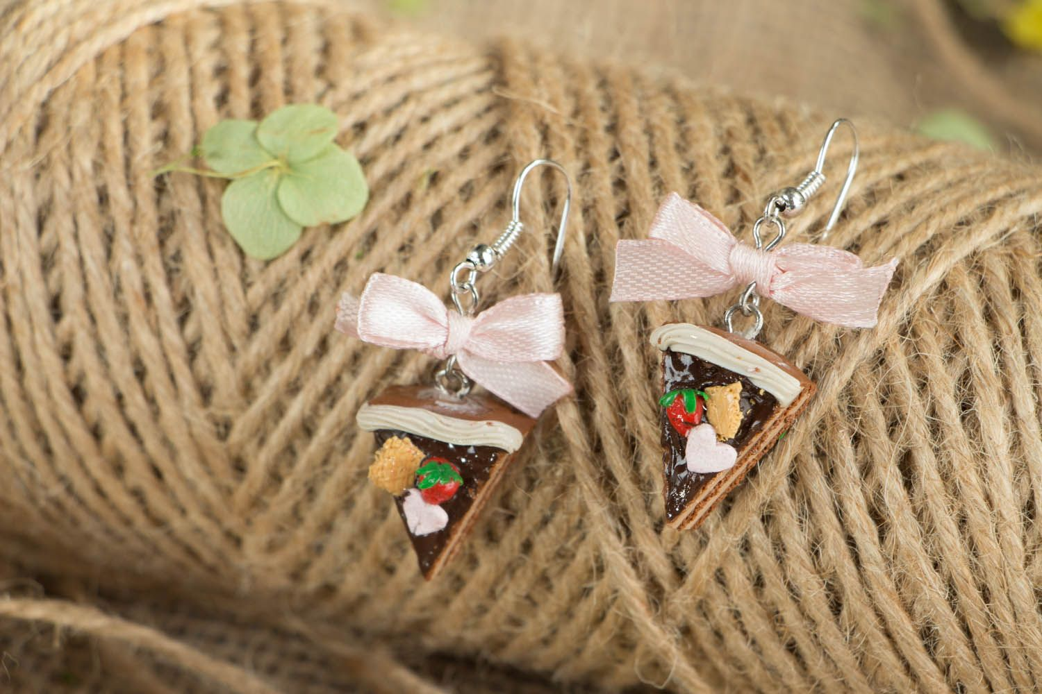 Earrings with charms in the shape of cakes photo 3