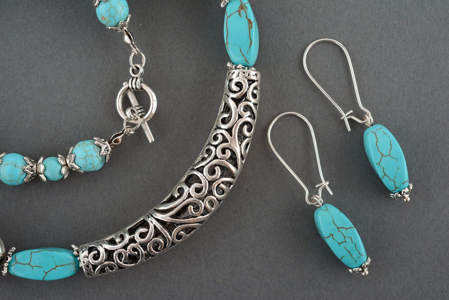 Necklace and earrings made of turquoise photo 3